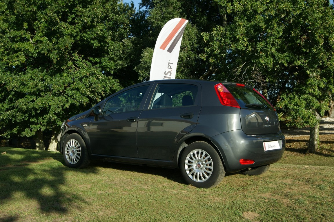 Carro_Usado_Fiat_Punto_2017_1245_Diesel_16.jpg