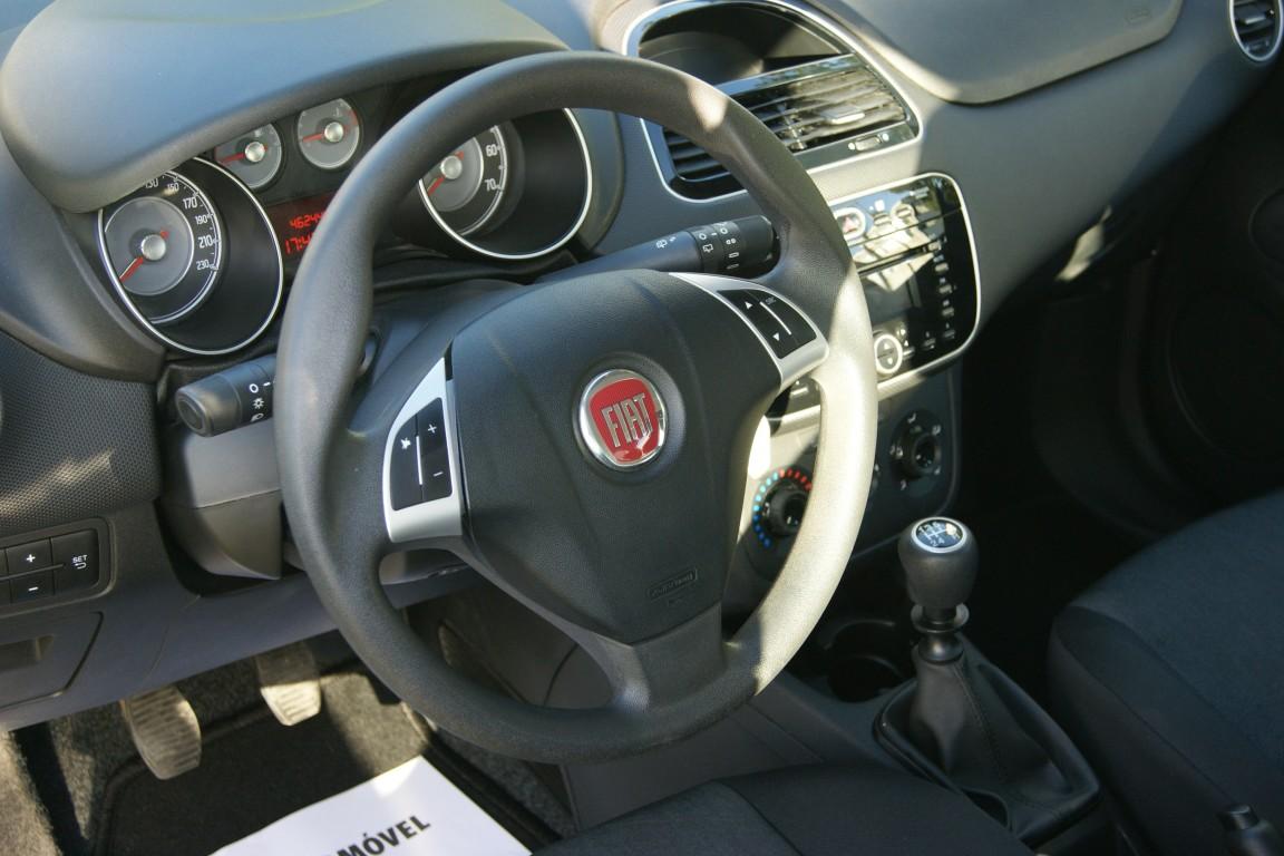 Carro_Usado_Fiat_Punto_2017_1245_Diesel_19.jpg