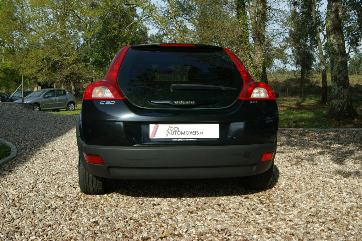 Carro_Usado_Volvo_C30_2006_1560_Diesel_19.25.jpg