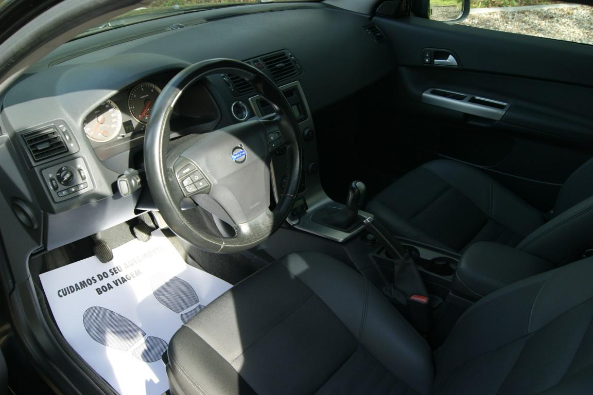 Carro_Usado_Volvo_C30_2006_1560_Diesel_20.25.jpg