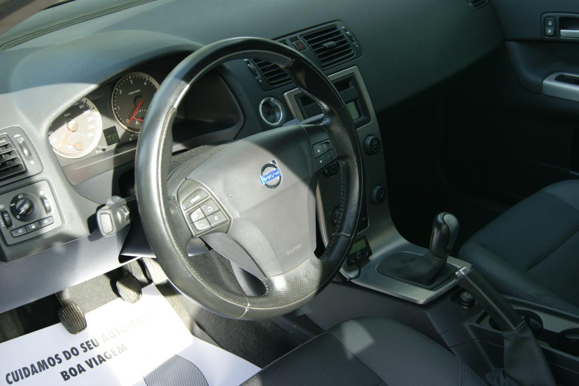 Carro_Usado_Volvo_C30_2006_1560_Diesel_21.25.jpg