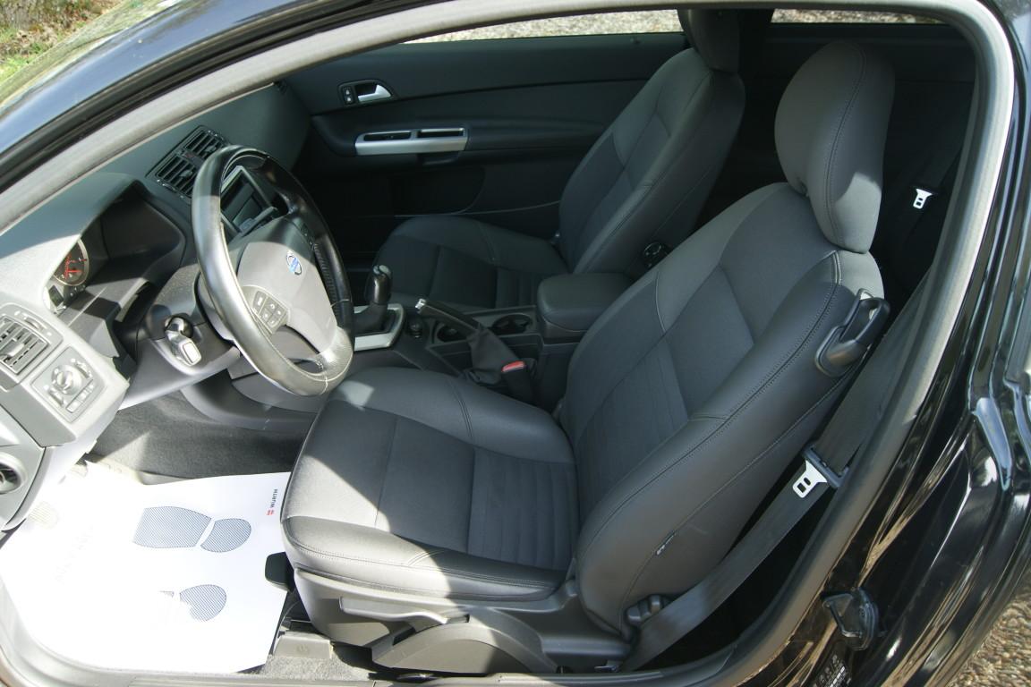 Carro_Usado_Volvo_C30_2006_1560_Diesel_22.25.jpg