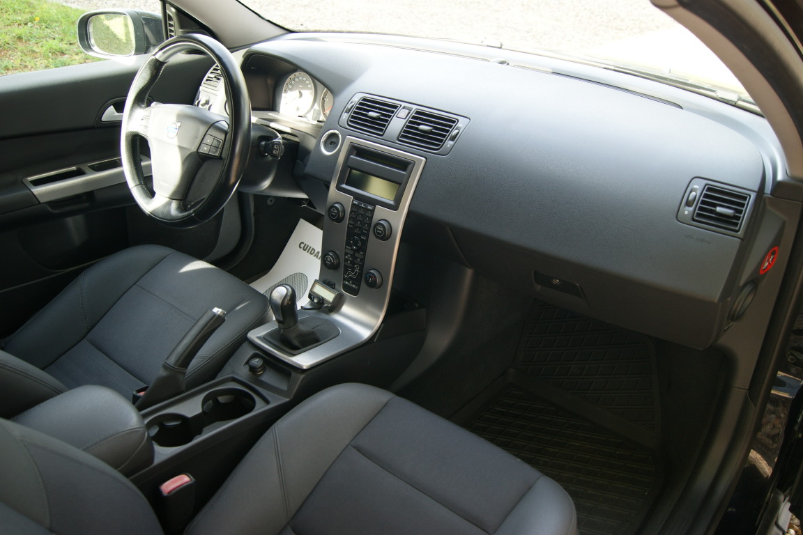 Carro_Usado_Volvo_C30_2006_1560_Diesel_25.25.jpg