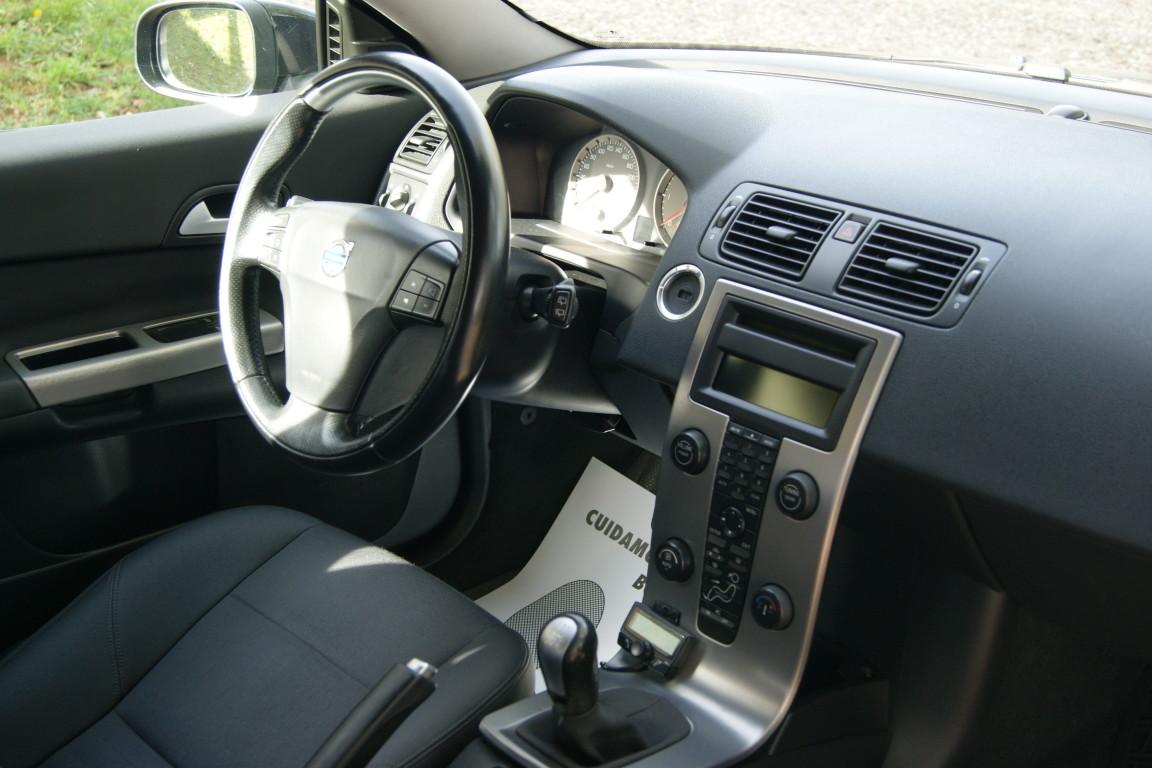 Carro_Usado_Volvo_C30_2006_1560_Diesel_26.25.jpg