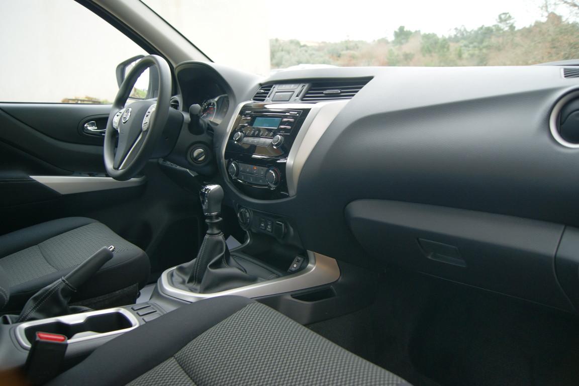 Carro_Semi-novo_Nissan_Navara_2020_2298_Diesel_10.jpg