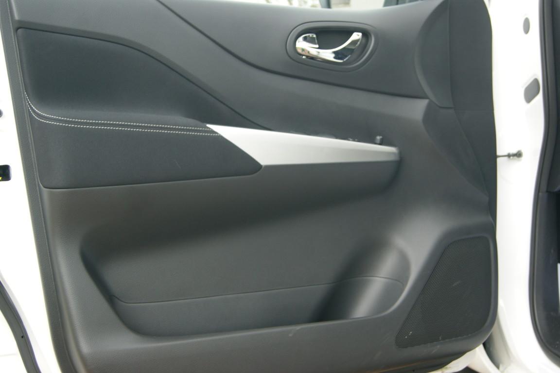 Carro_Semi-novo_Nissan_Navara_2020_2298_Diesel_5.jpg