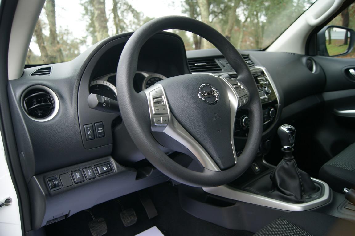 Carro_Semi-novo_Nissan_Navara_2020_2298_Diesel_8.jpg