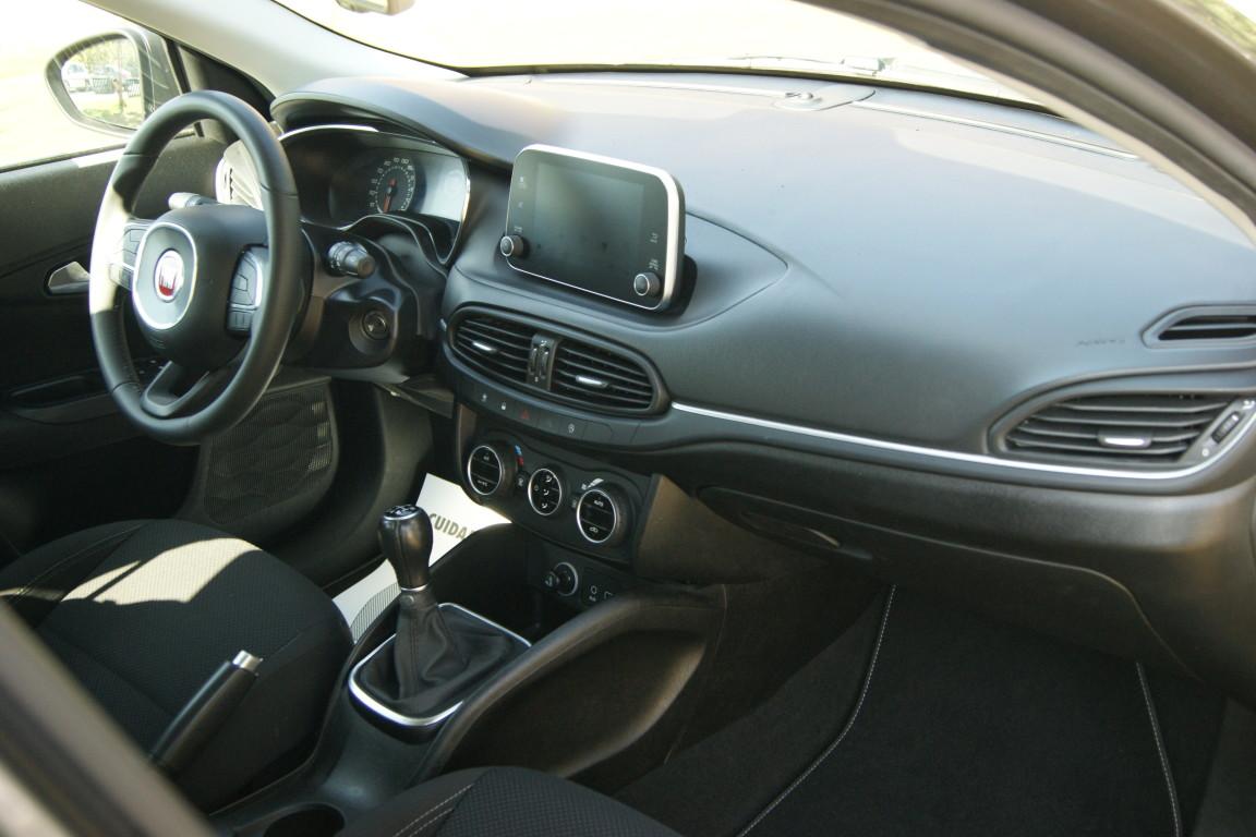 Carro_Usado_Fiat_Tipo_SW_2017_1248_Diesel_10.jpg