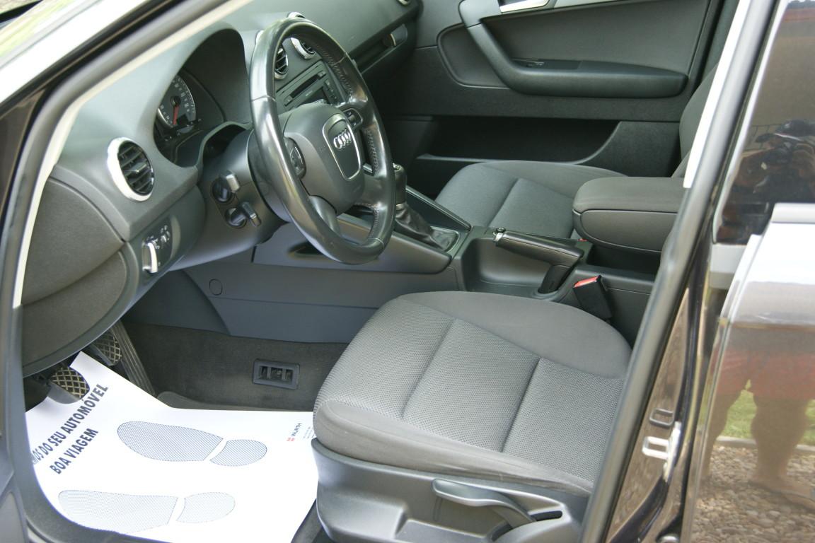 Carro_Usado_Audi_A3_Sportback_2011_1598_Diesel_10.jpg