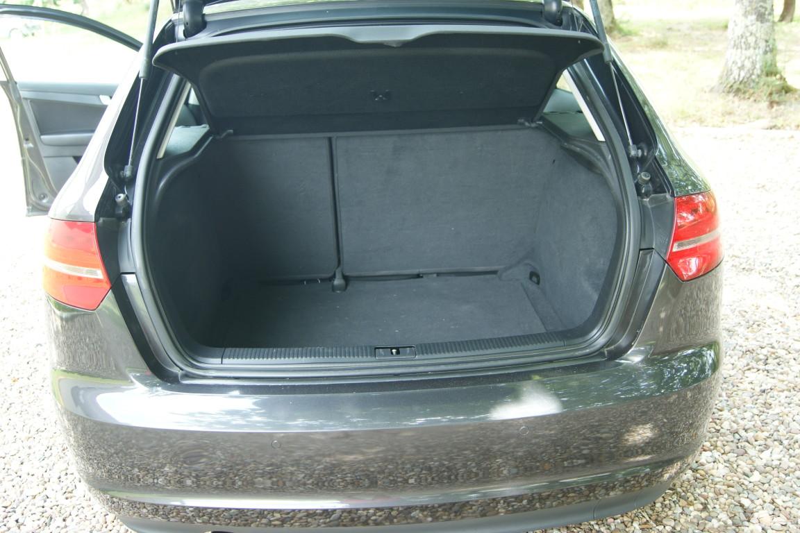 Carro_Usado_Audi_A3_Sportback_2011_1598_Diesel_13.jpg