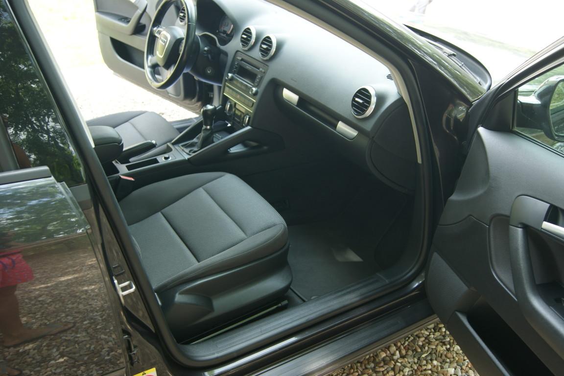 Carro_Usado_Audi_A3_Sportback_2011_1598_Diesel_14.jpg
