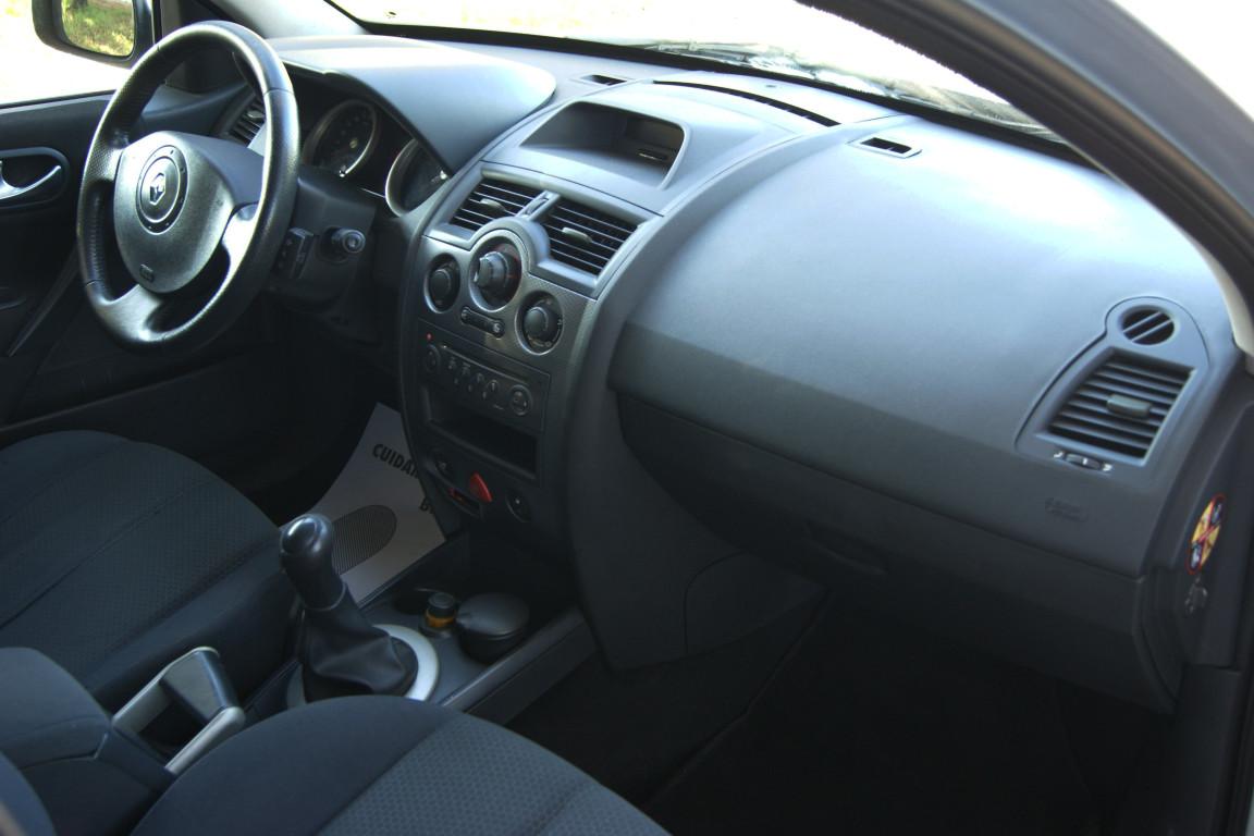 Carro_Usado_Renault_Megane_Break_2004_1461_Diesel_12.jpg