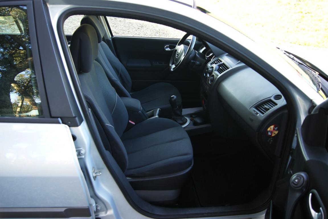Carro_Usado_Renault_Megane_Break_2004_1461_Diesel_13.jpg
