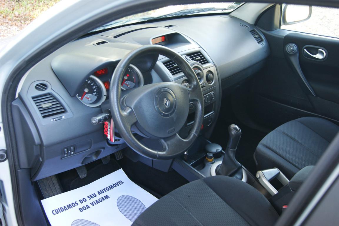 Carro_Usado_Renault_Megane_Break_2004_1461_Diesel_7.jpg