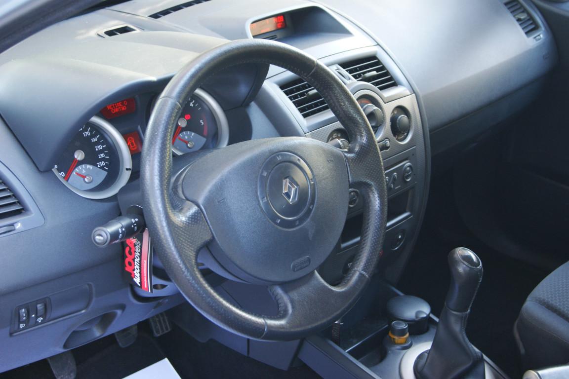 Carro_Usado_Renault_Megane_Break_2004_1461_Diesel_8.jpg