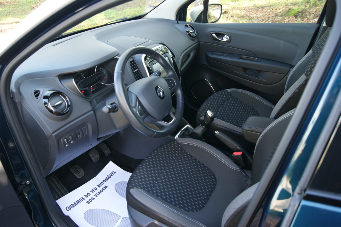 Carro_Usado_Renault_Captur_2019_898_Gasolina_5.jpg