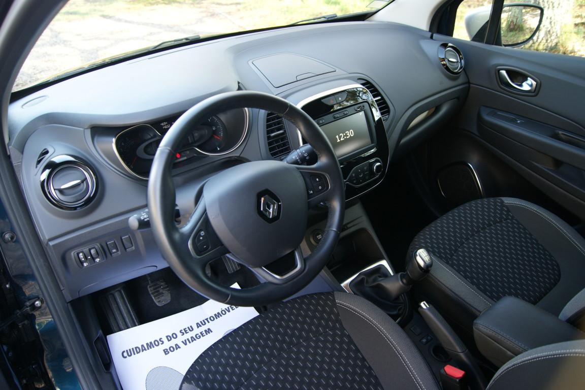 Carro_Usado_Renault_Captur_2019_898_Gasolina_6.jpg