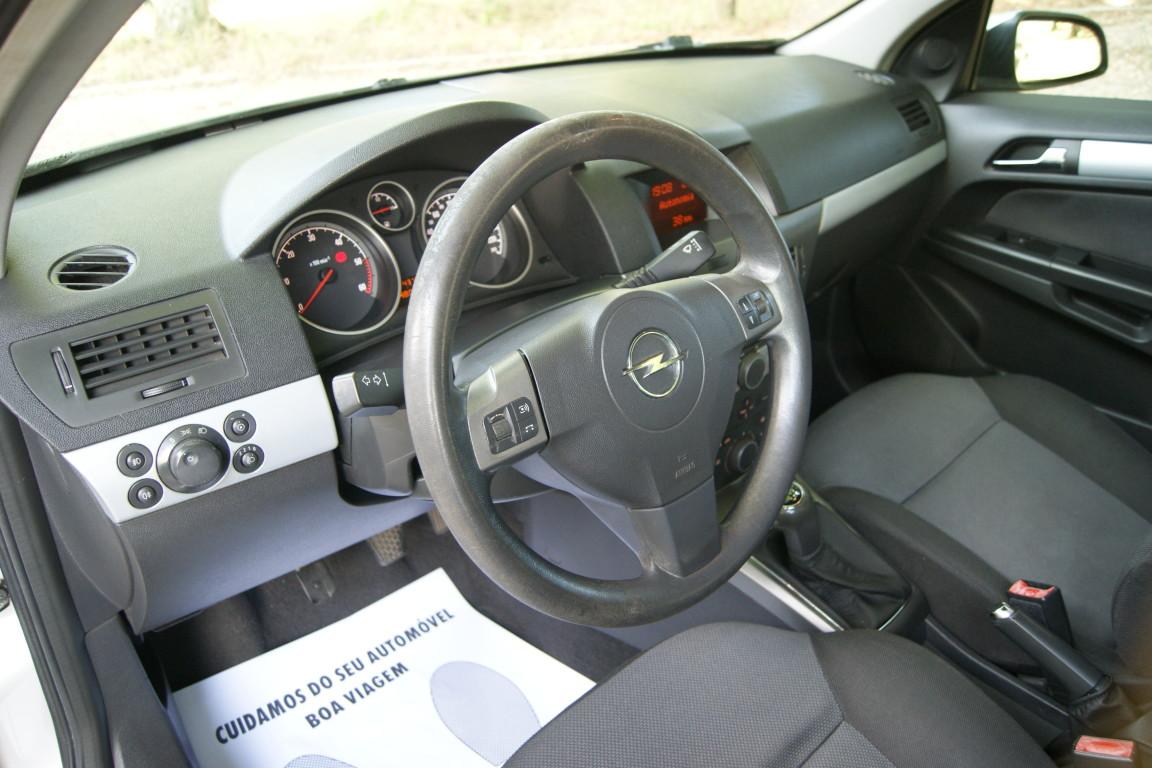 Carro_Usado_Opel_Astra_2005_1248_Diesel_10.jpg