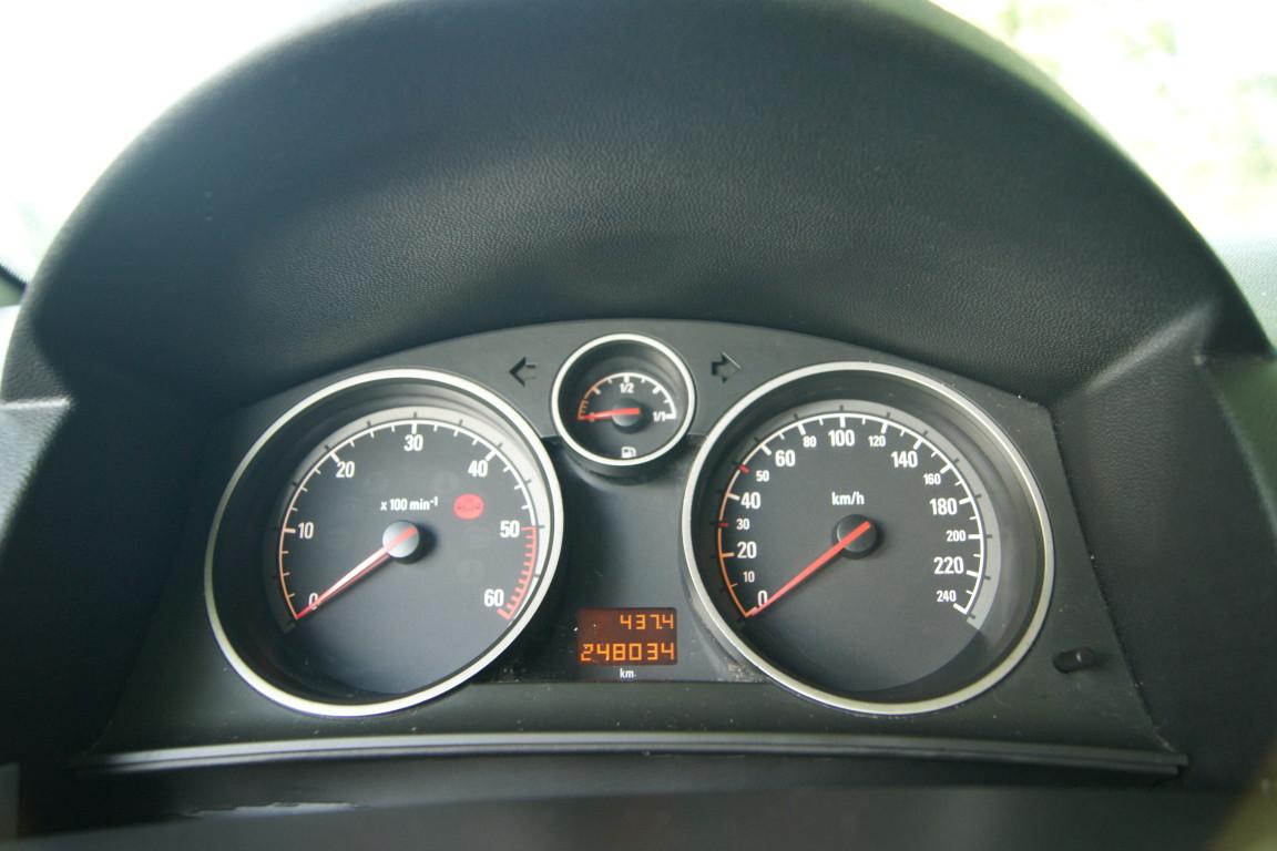 Carro_Usado_Opel_Astra_2005_1248_Diesel_11.jpg