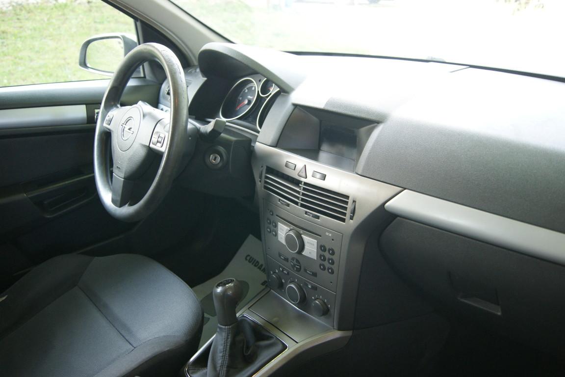 Carro_Usado_Opel_Astra_2005_1248_Diesel_12.jpg