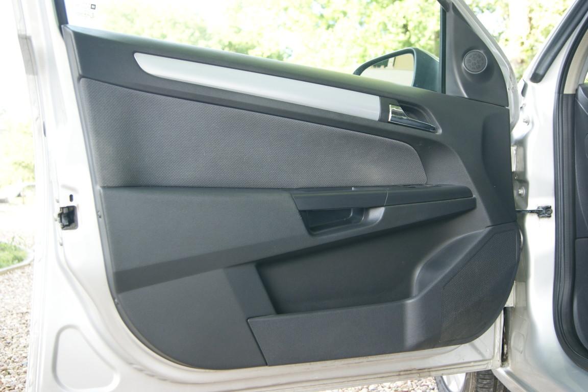 Carro_Usado_Opel_Astra_2005_1248_Diesel_9.jpg