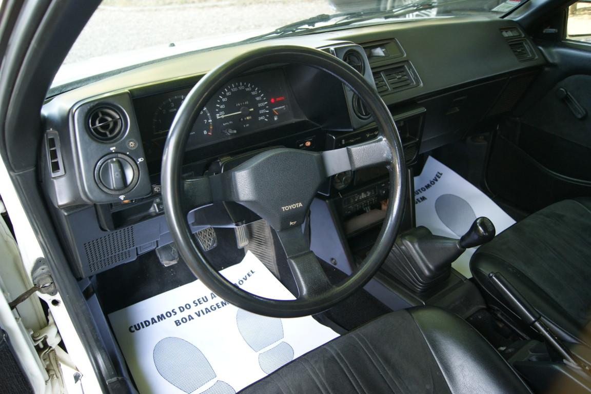 Carro_Usado_Toyota_Corolla_1985_1587_Gasolina_10.jpg