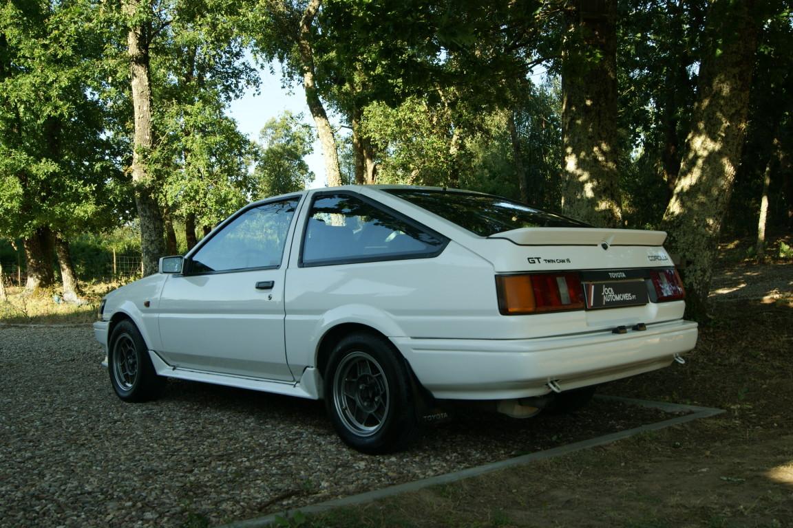 Carro_Usado_Toyota_Corolla_1985_1587_Gasolina_6.jpg