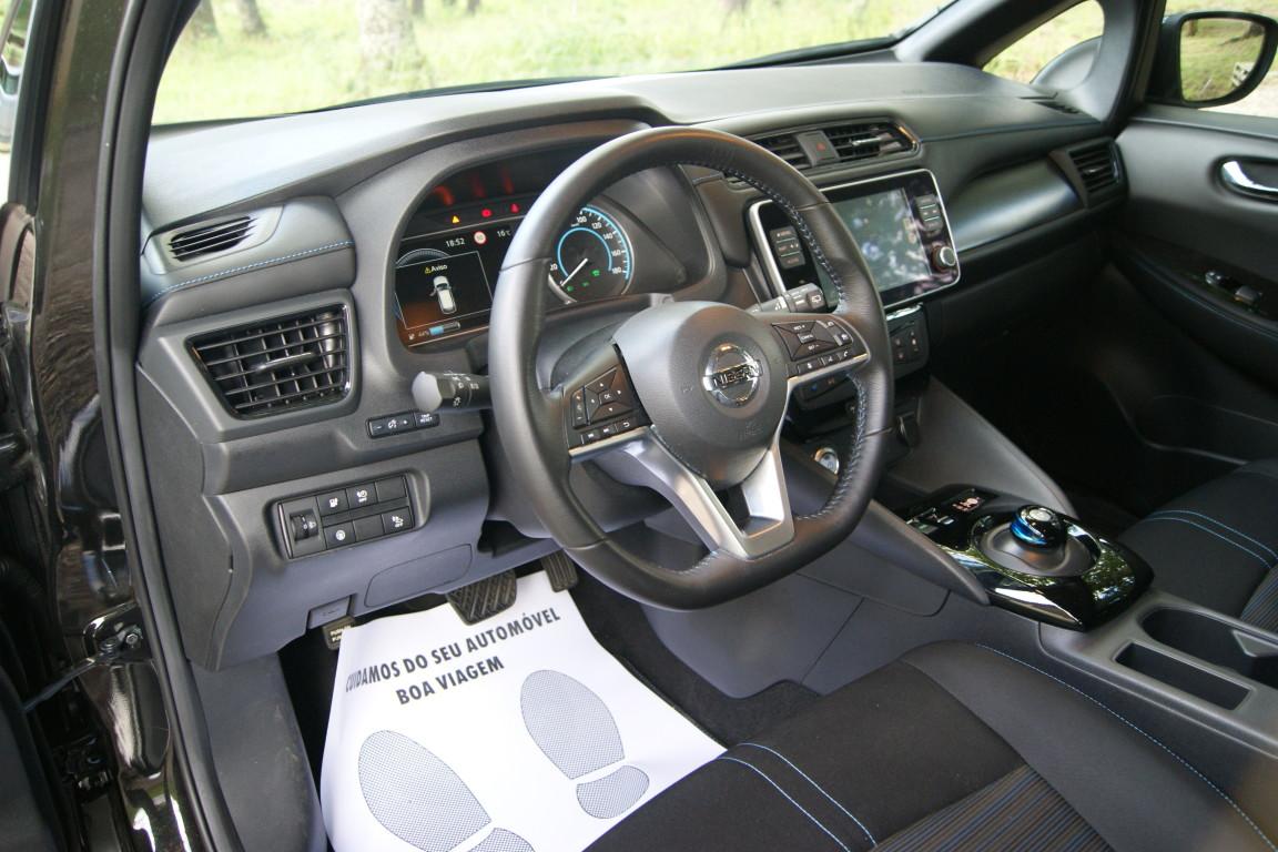 Carro_Semi-novo_Nissan_Leaf_2020_0_Electrico_11.jpg