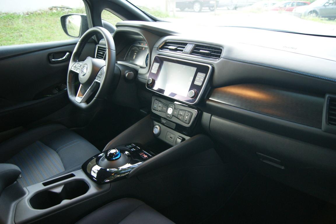 Carro_Semi-novo_Nissan_Leaf_2020_0_Electrico_15.jpg