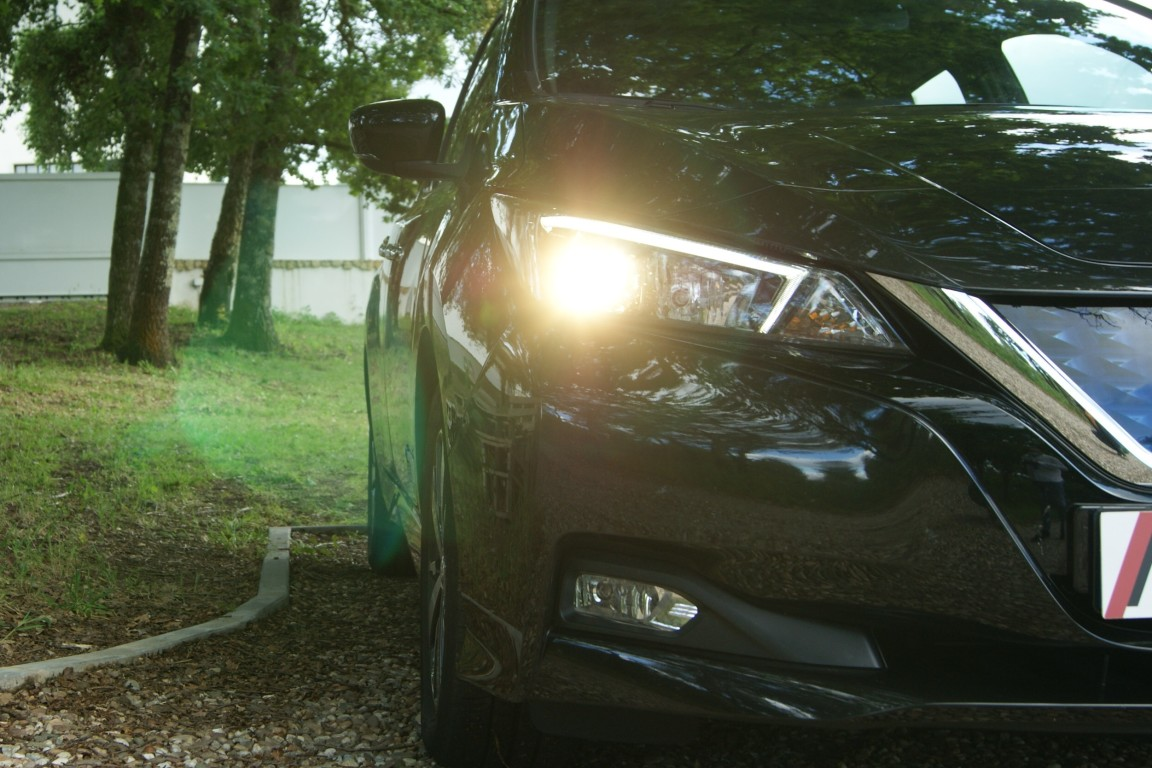 Carro_Semi-novo_Nissan_Leaf_2020_0_Electrico_3.jpg