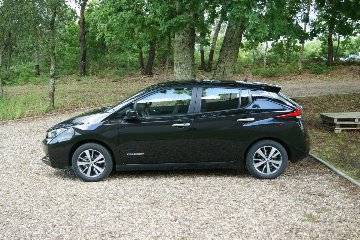 Carro_Semi-novo_Nissan_Leaf_2020_0_Electrico_8.jpg