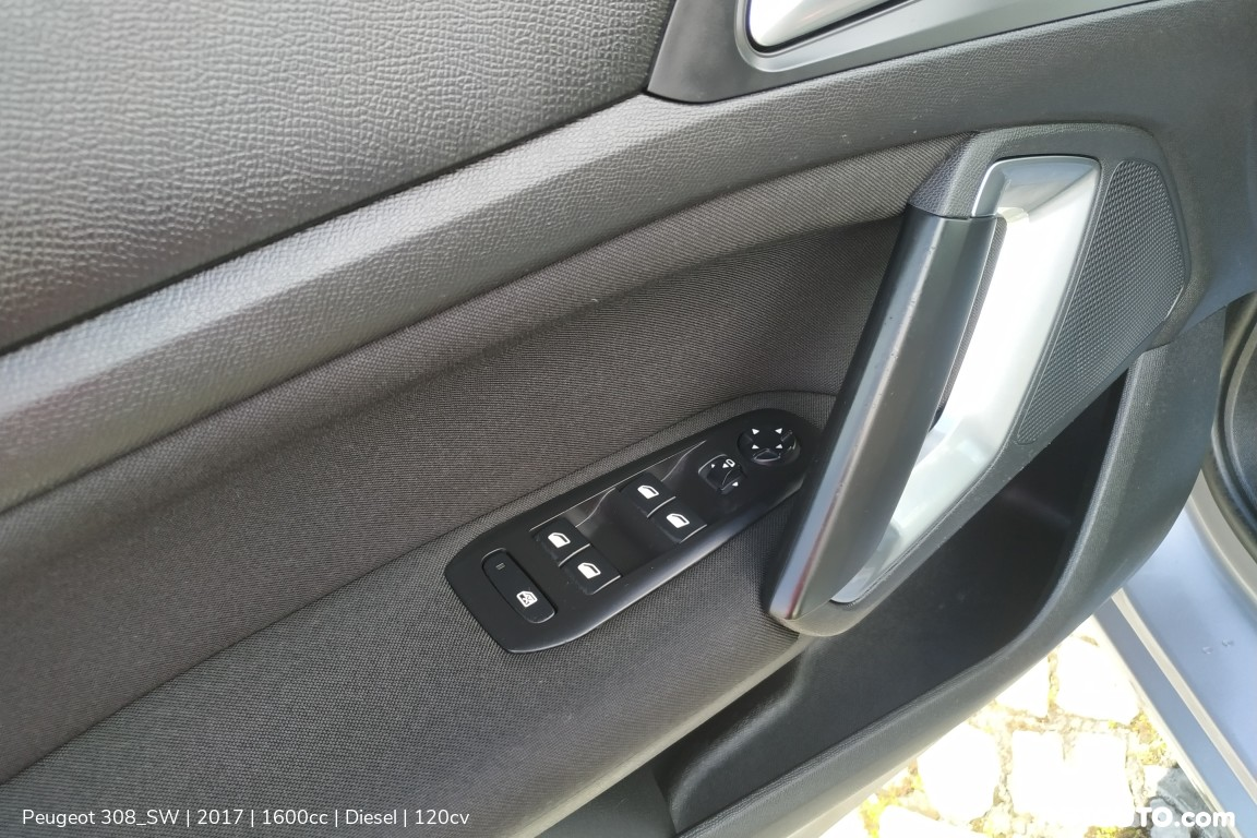 Carro_Usado_Peugeot_308_SW_2017_1600_Diesel_15.25_high.jpg