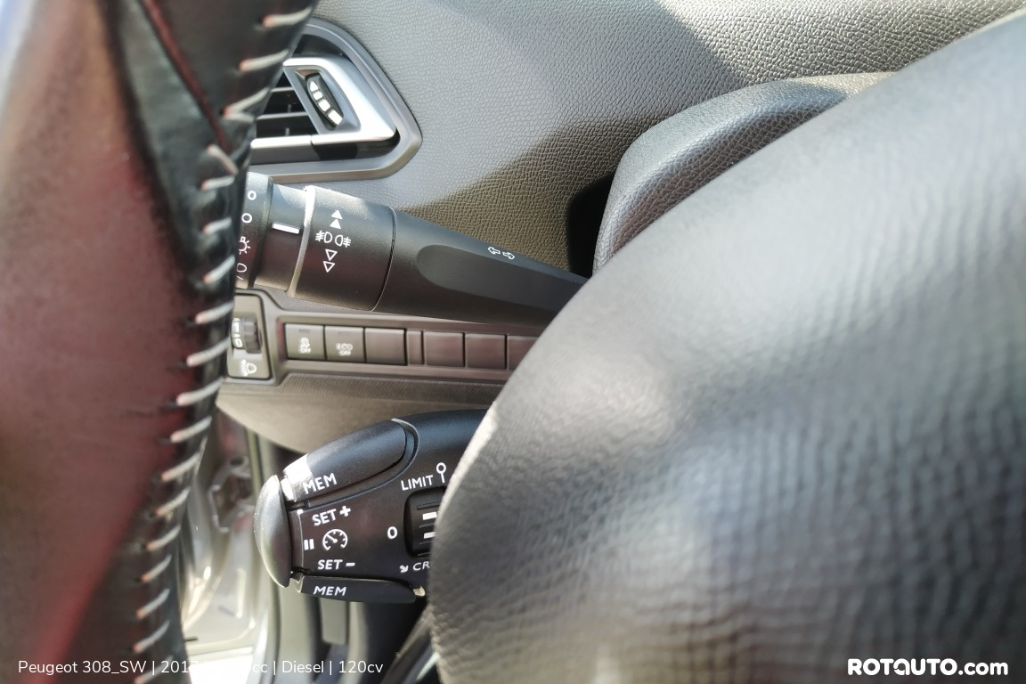 Carro_Usado_Peugeot_308_SW_2017_1600_Diesel_17.25_high.jpg