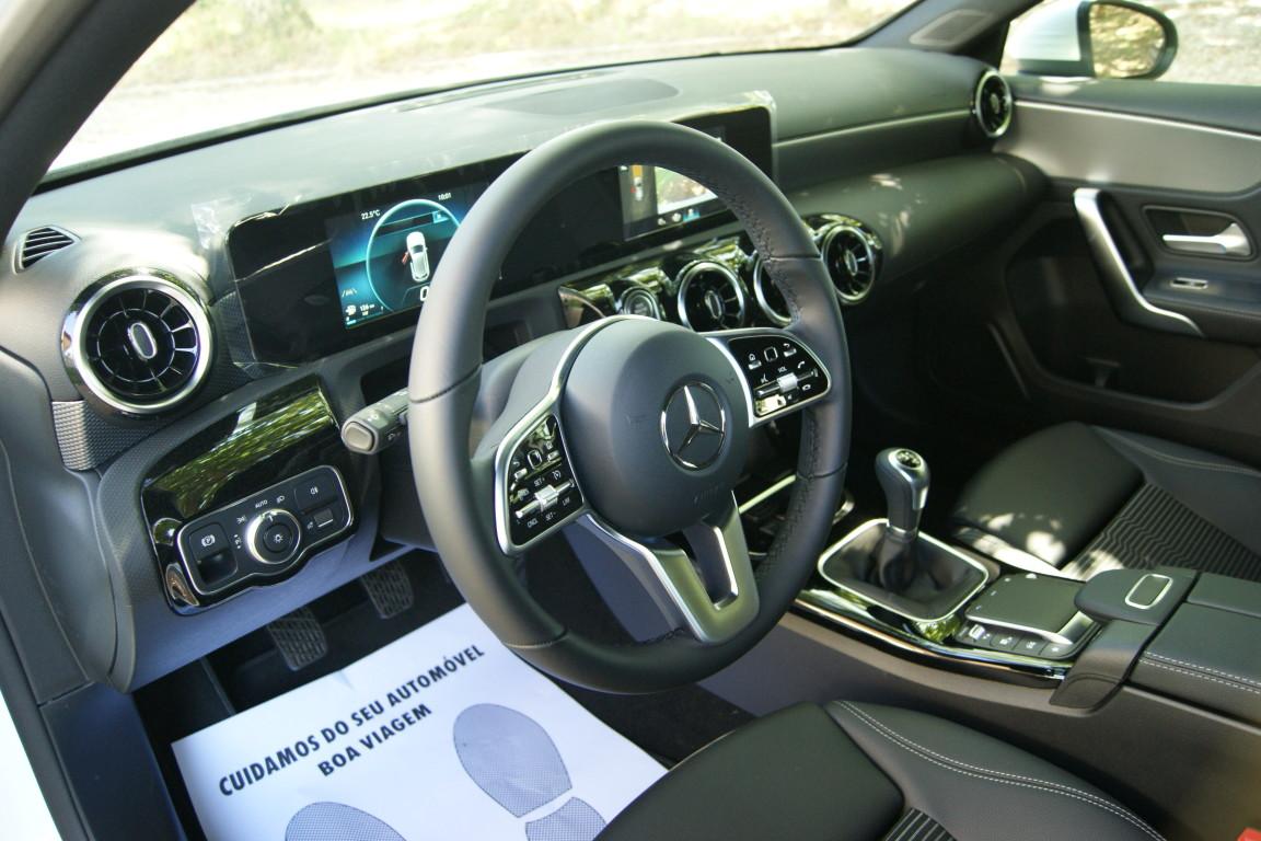 Carro_Semi-novo_Mercedes-Benz_A_160_2021_1332_Gasolina_11.jpg