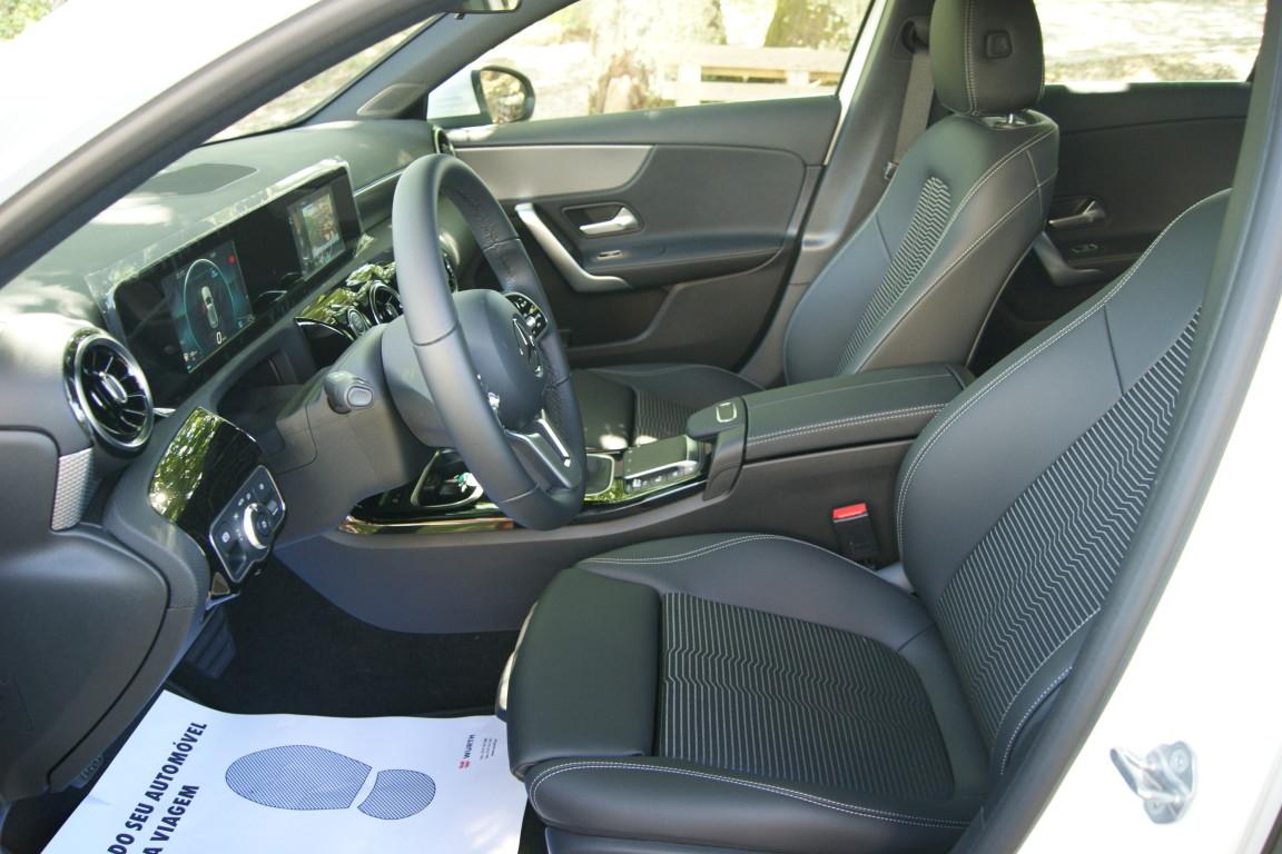 Carro_Semi-novo_Mercedes-Benz_A_160_2021_1332_Gasolina_12.jpg