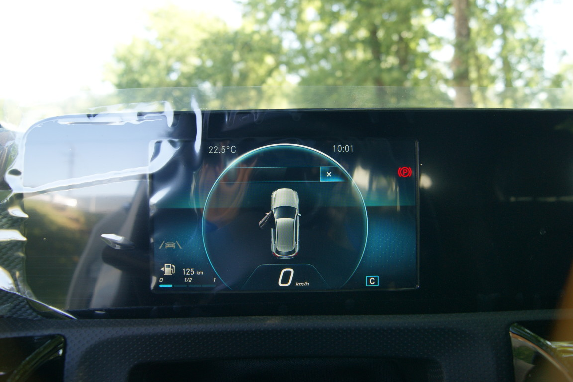 Carro_Semi-novo_Mercedes-Benz_A_160_2021_1332_Gasolina_13.jpg