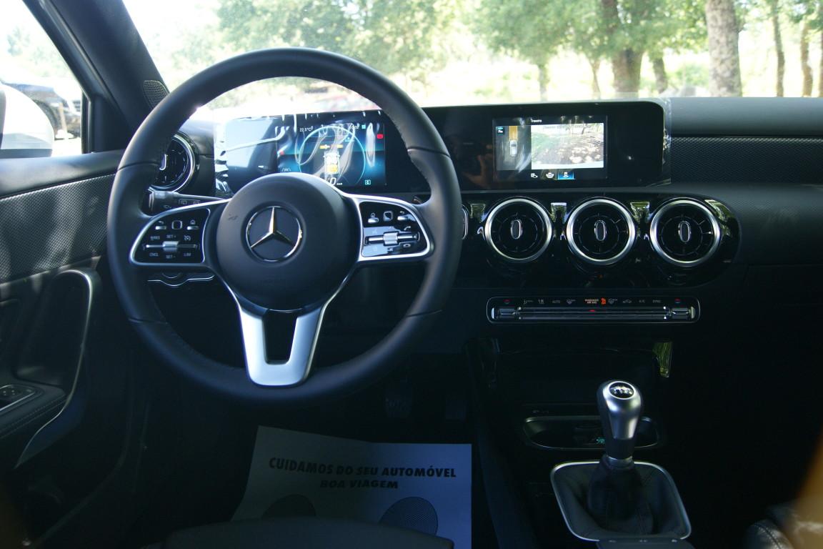 Carro_Semi-novo_Mercedes-Benz_A_160_2021_1332_Gasolina_14.jpg