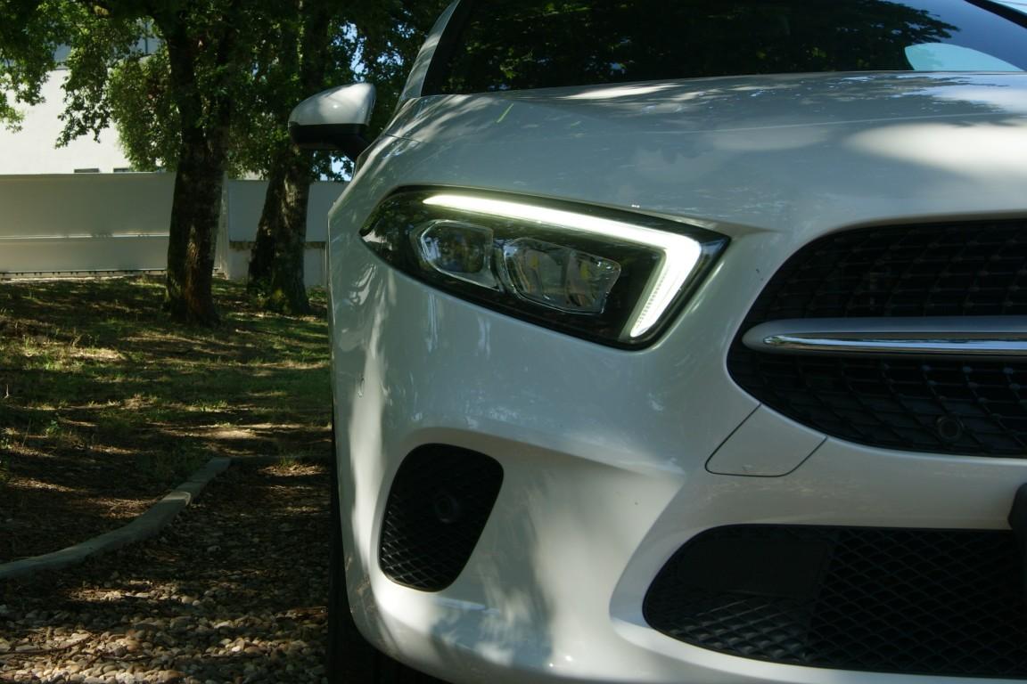 Carro_Semi-novo_Mercedes-Benz_A_160_2021_1332_Gasolina_3.jpg