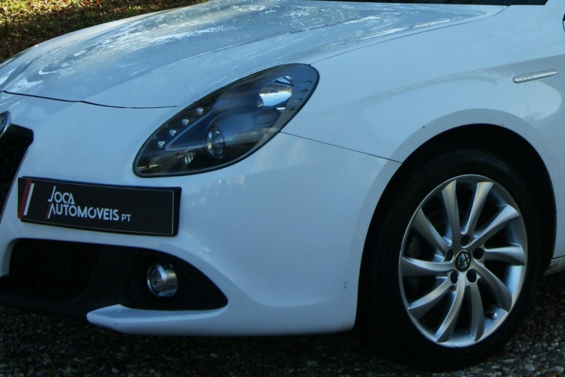 Carro_Semi-novo_Alfa_Romeo_Giulietta_2019_1598_Diesel_3.jpg