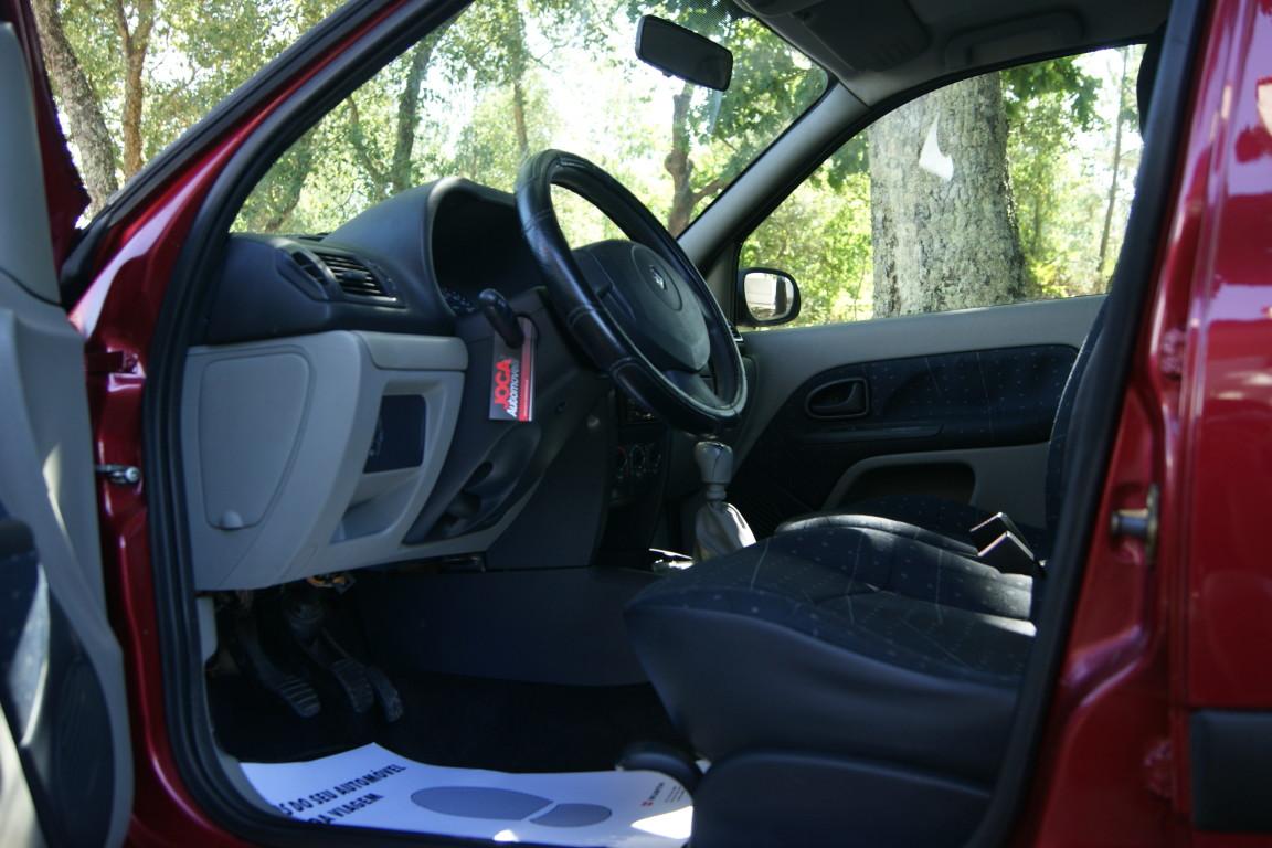 Carro_Usado_Renault_Clio_2003_1149_Gasolina_10.jpg