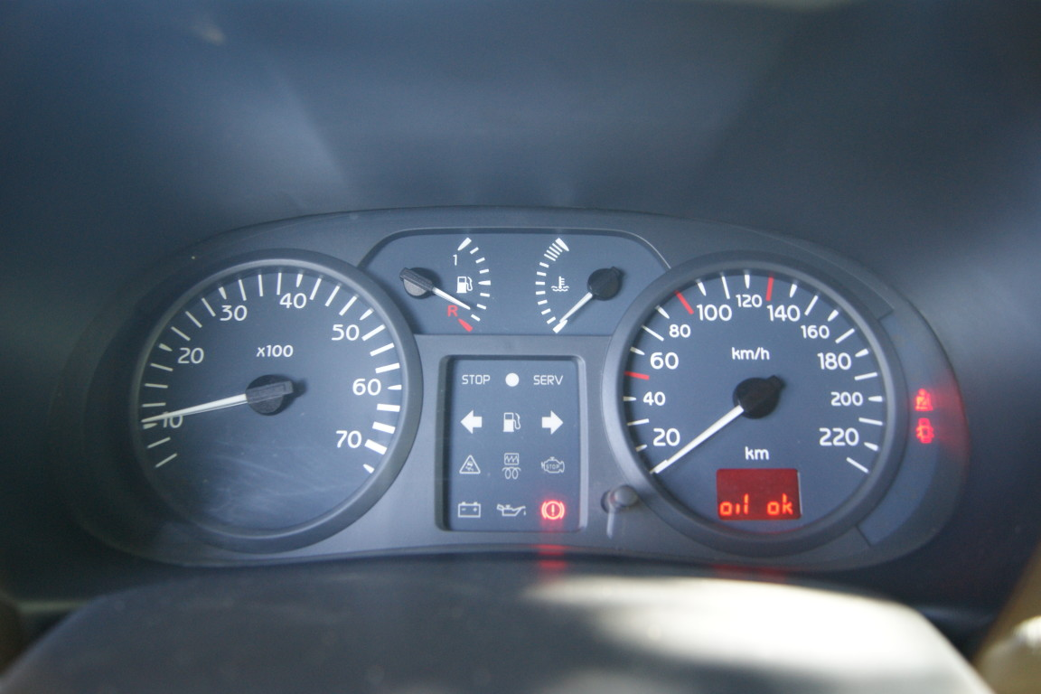 Carro_Usado_Renault_Clio_2003_1149_Gasolina_12.jpg