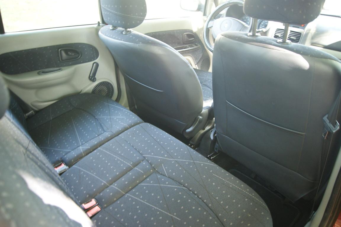 Carro_Usado_Renault_Clio_2003_1149_Gasolina_15.jpg