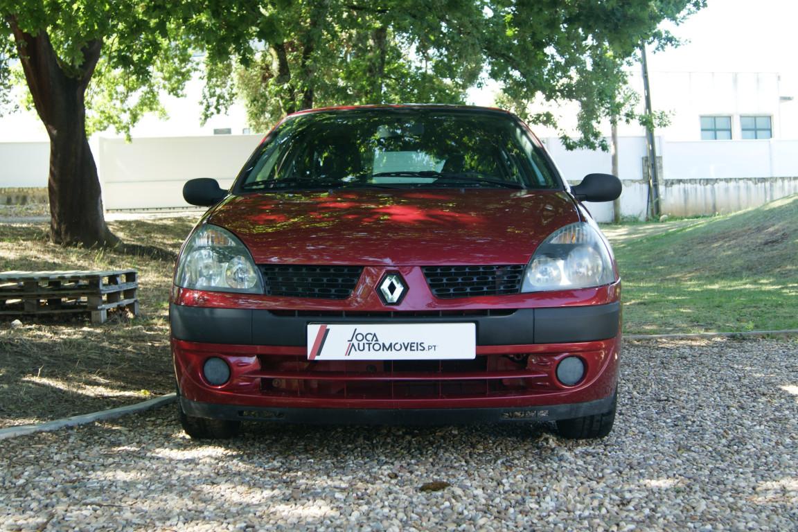 Carro_Usado_Renault_Clio_2003_1149_Gasolina_2.jpg