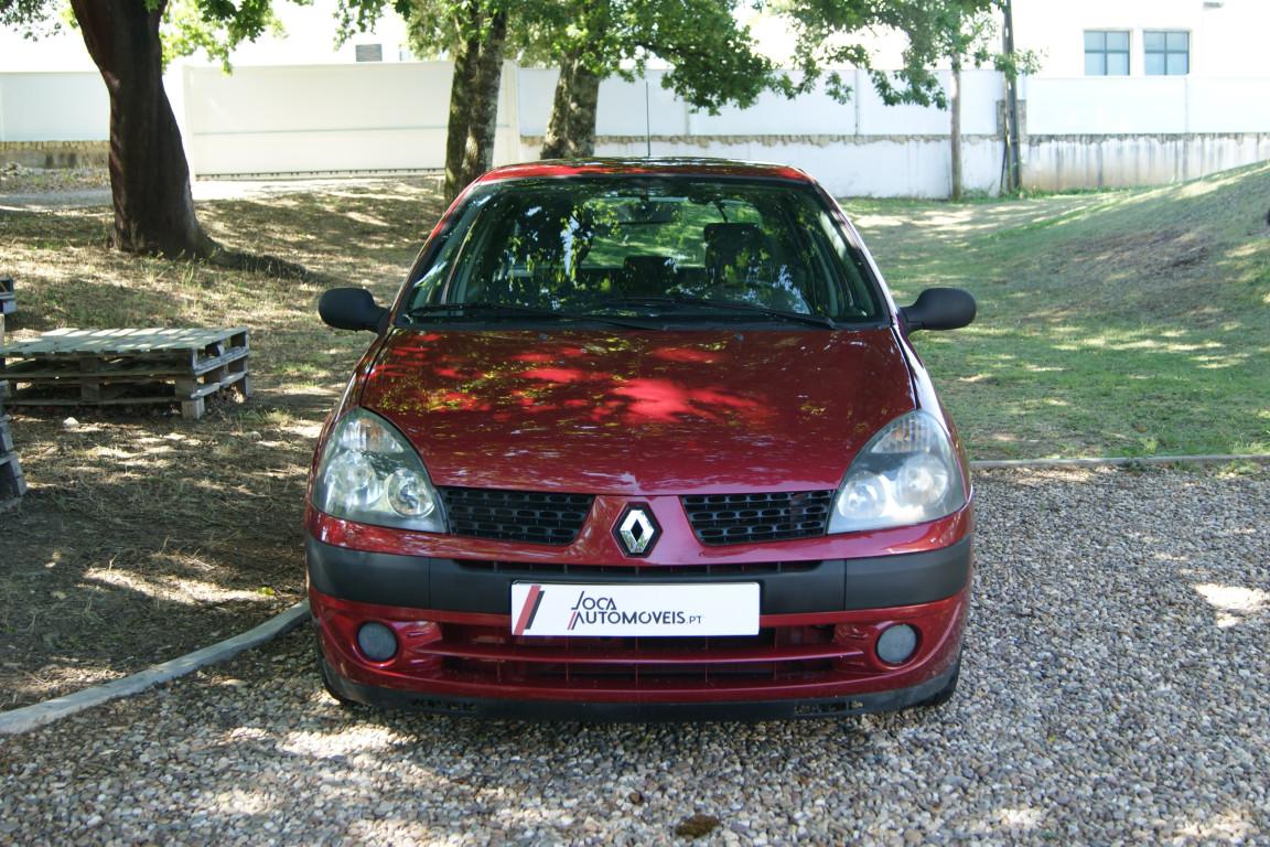 Carro_Usado_Renault_Clio_2003_1149_Gasolina_3.jpg