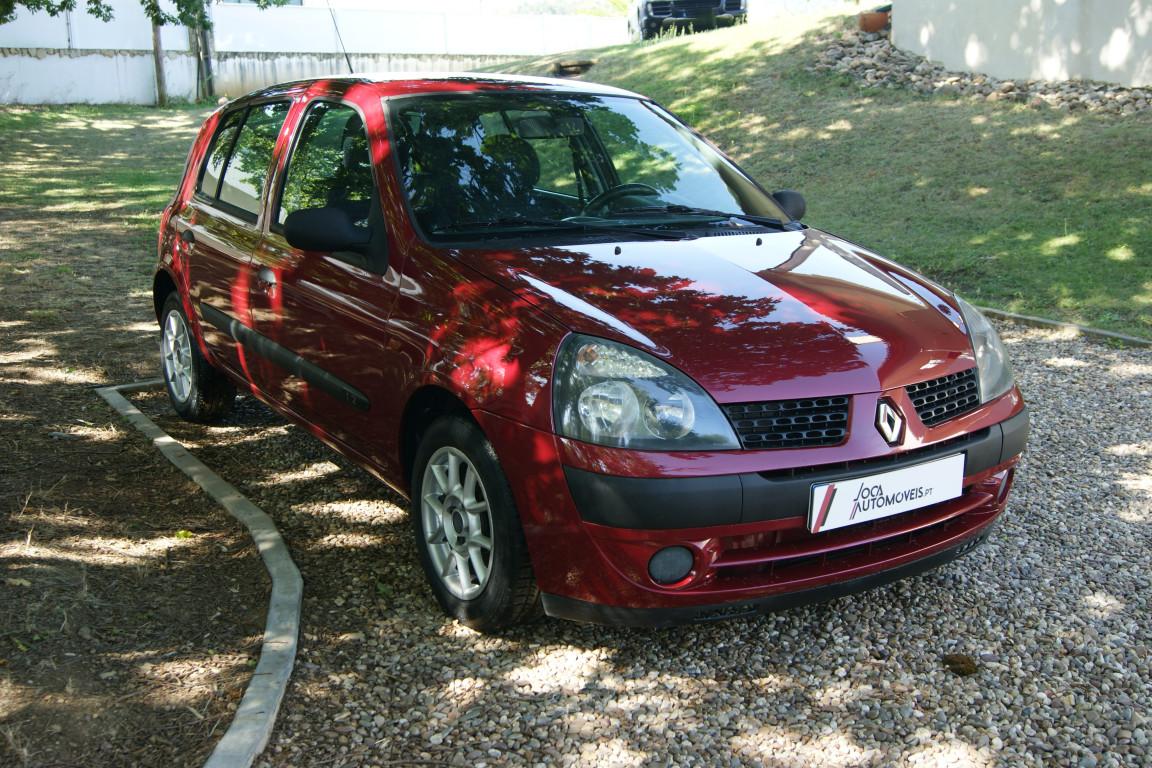 Carro_Usado_Renault_Clio_2003_1149_Gasolina_4.jpg