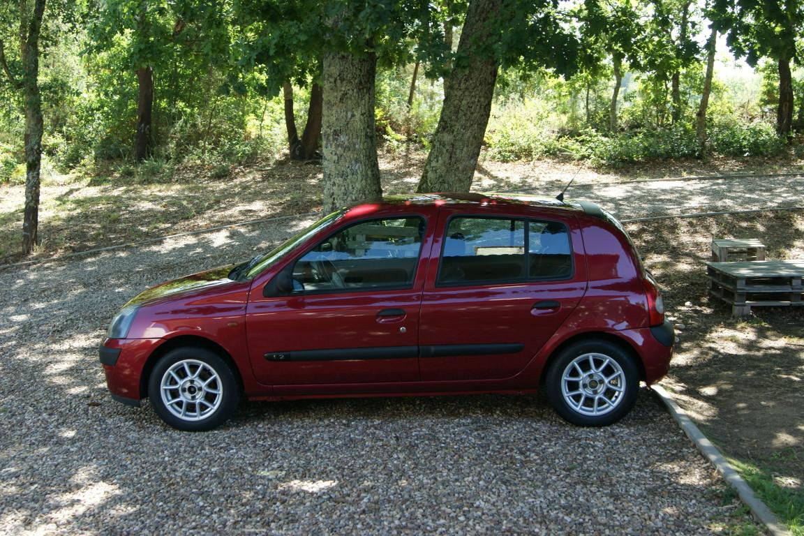 Carro_Usado_Renault_Clio_2003_1149_Gasolina_5.jpg