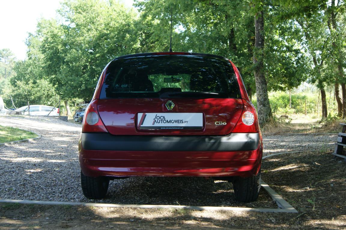 Carro_Usado_Renault_Clio_2003_1149_Gasolina_7.jpg