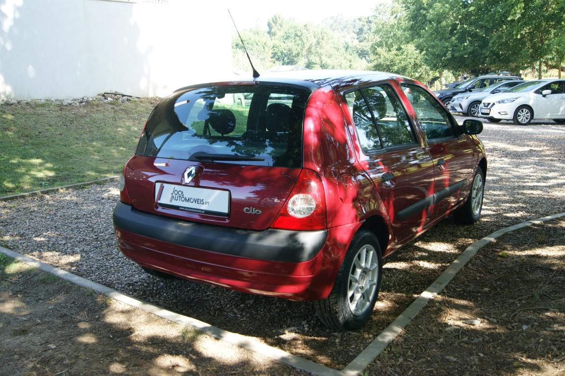 Carro_Usado_Renault_Clio_2003_1149_Gasolina_8.jpg