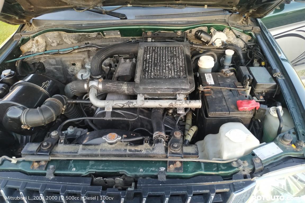 Carro_Usado_Mitsubishi_L_200_2000_2500_Diesel_23_high.jpg