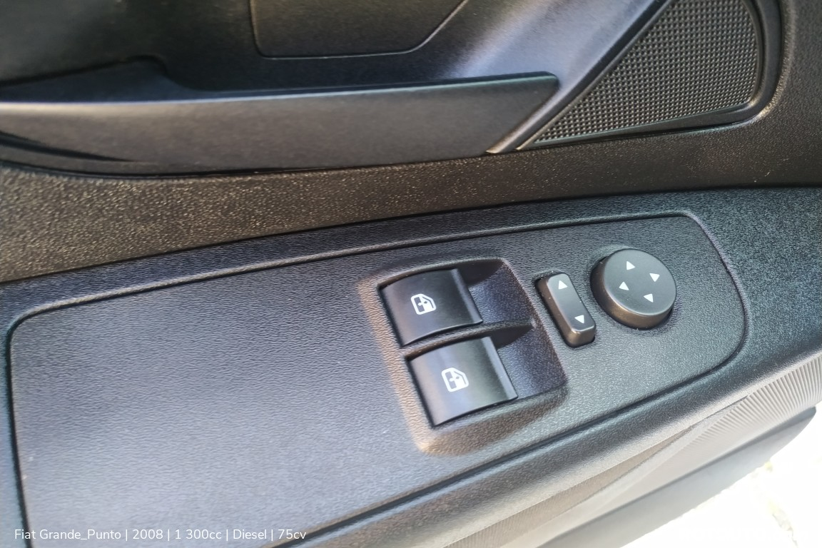 Carro_Usado_Fiat_Grande_Punto_2008_1300_Diesel_11_high.jpg